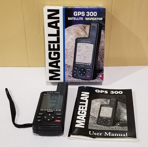 MAGELLAN-GPS-300-SATELLITE-NAVIGATOR